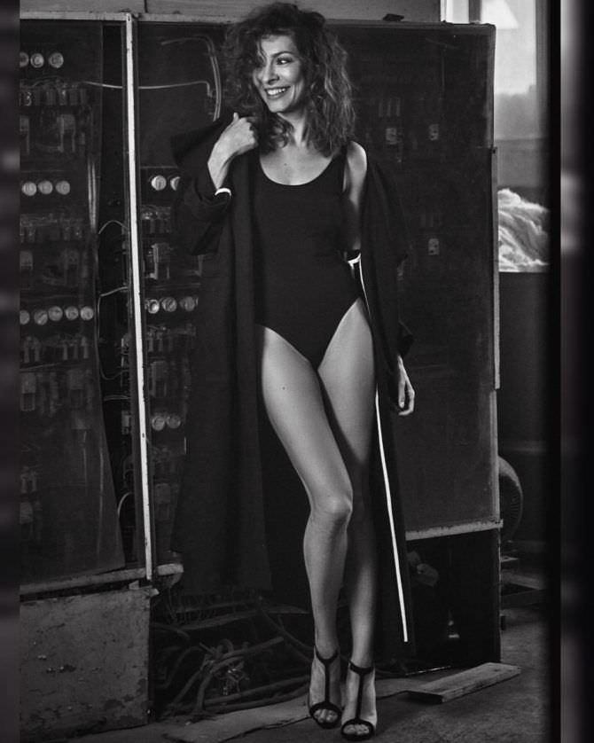Елена Подкаменская фото в купальнике