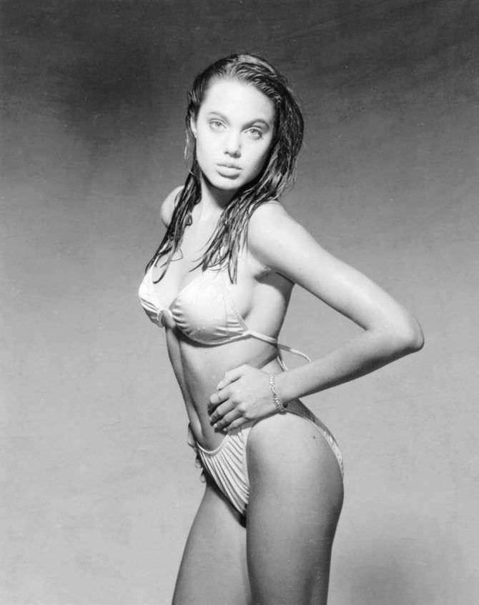 Анджелина Джоли фотосессия в купальнике