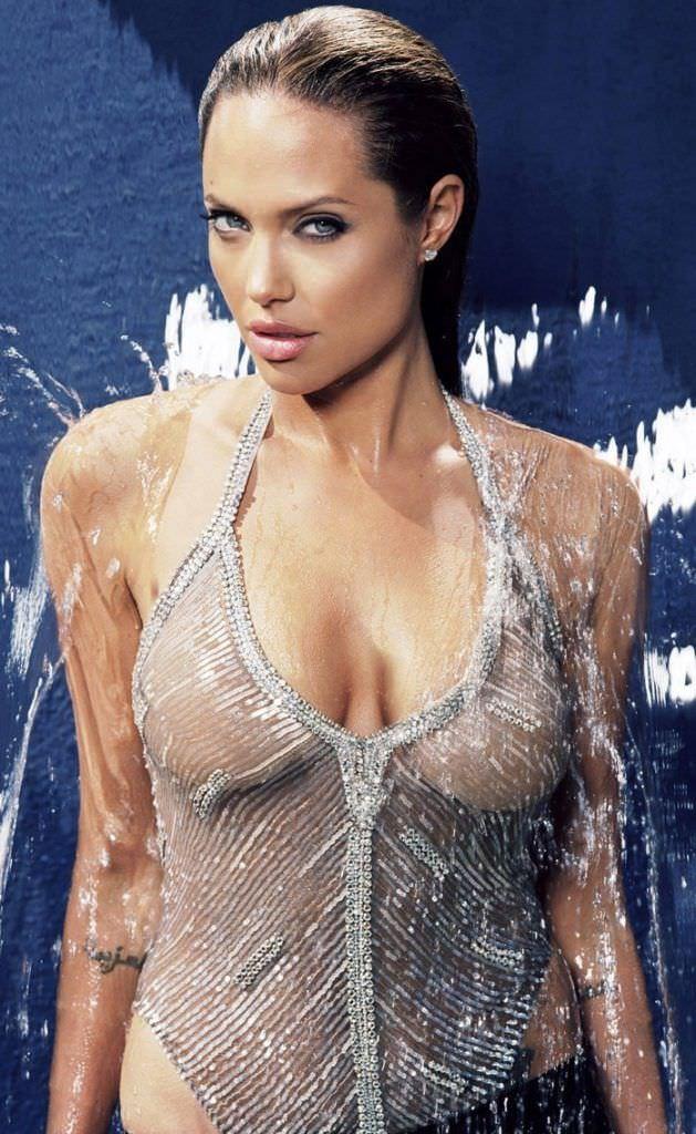 Анджелина Джоли фото в мокром