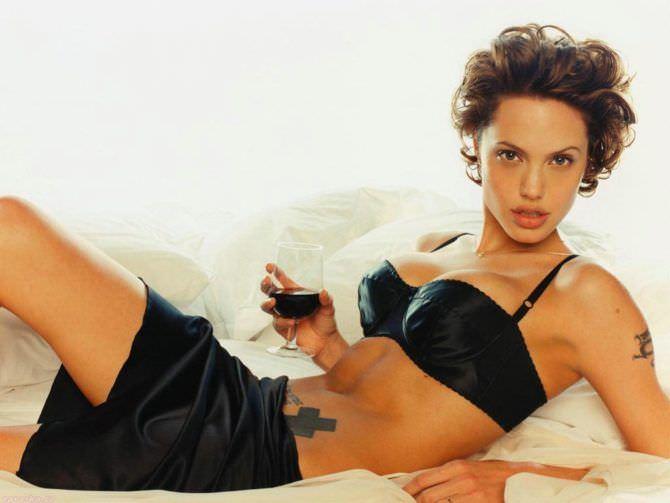 Анджелина Джоли фото в чёрном
