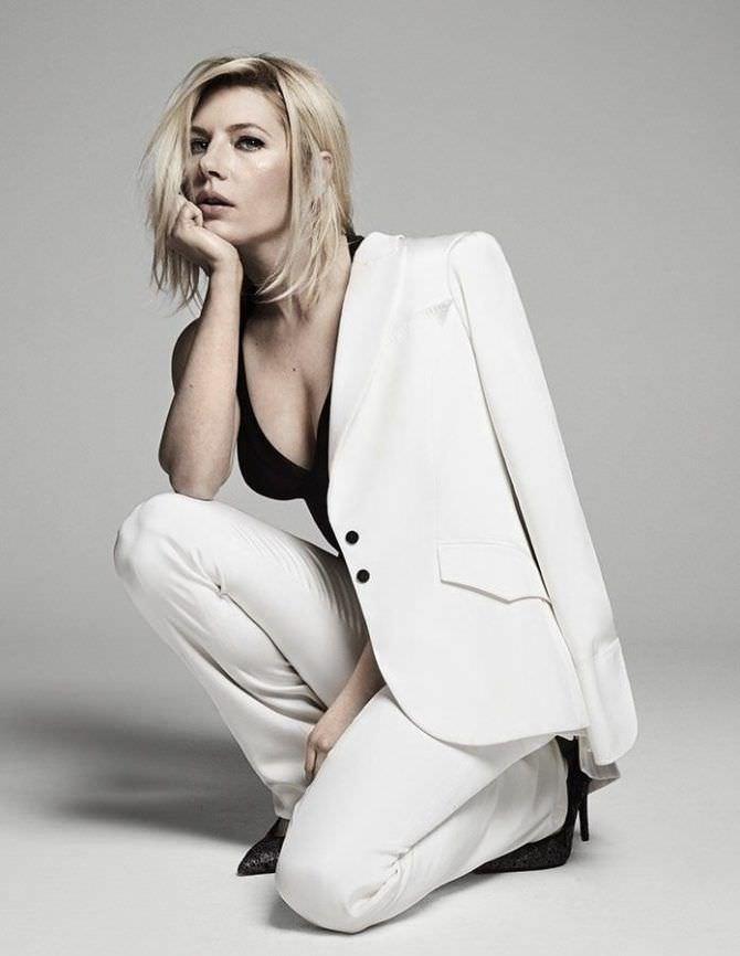 Кэтрин Уинник фото в пиджаке
