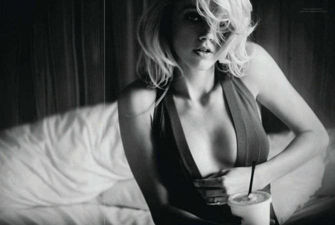 Эмбер Хёрд фото в платье с кофе