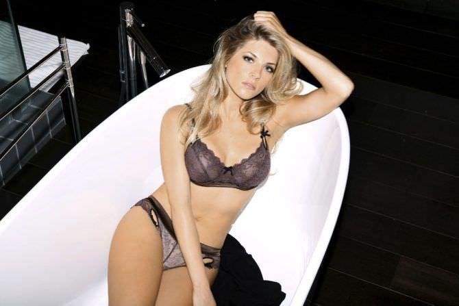 Кэтрин Уинник фотография в ванне