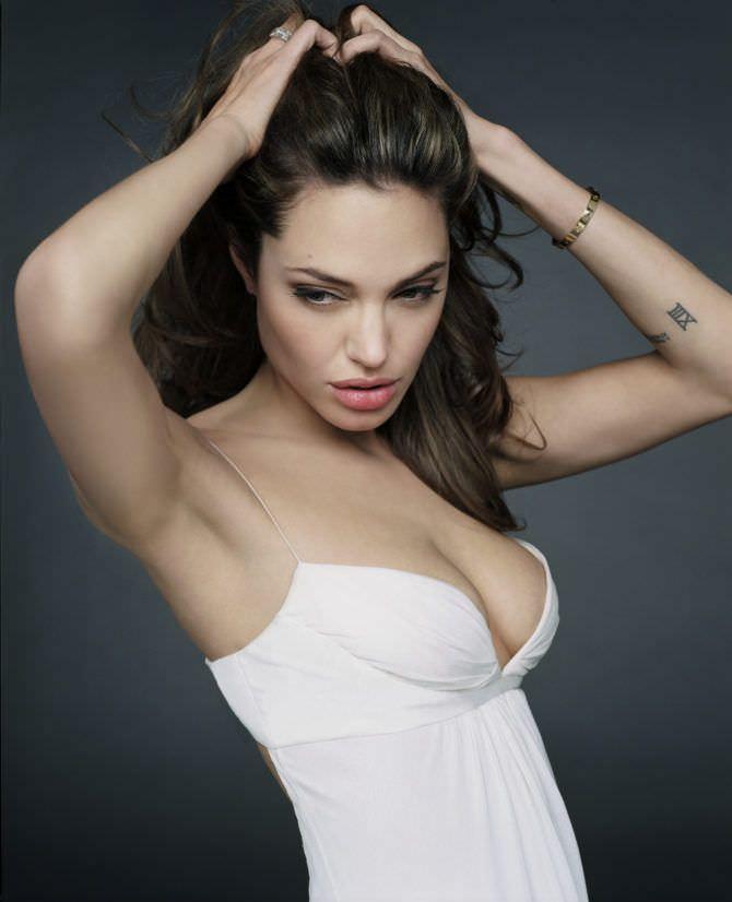 Анджелина Джоли фото в белом платье