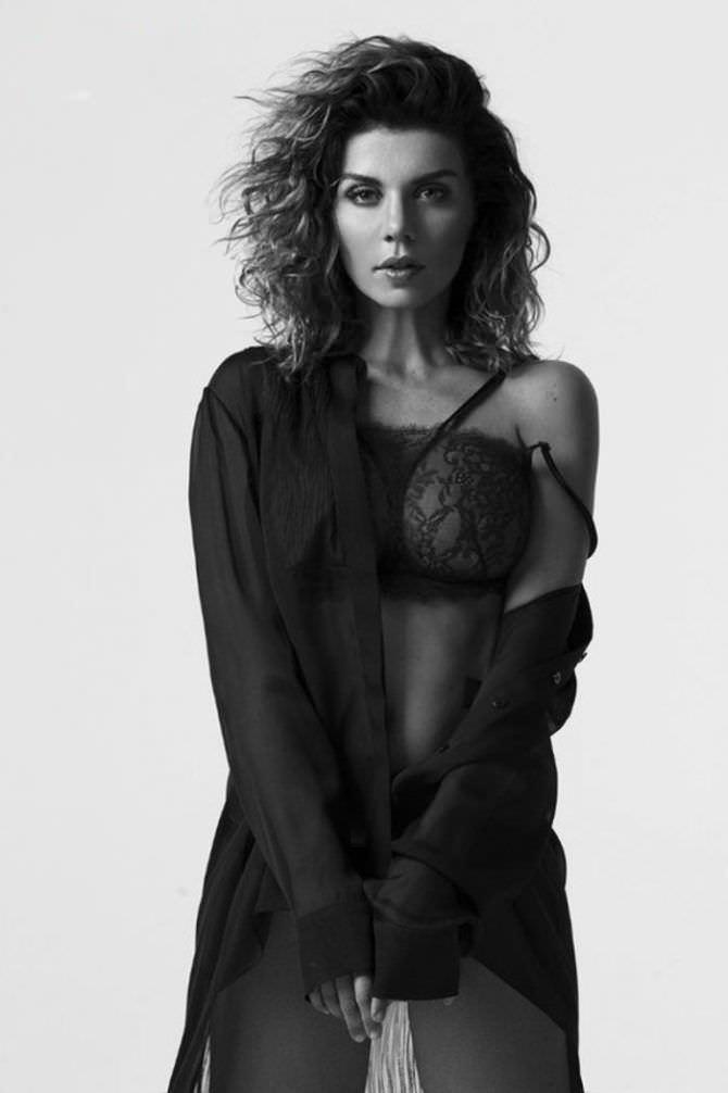 Анна Седокова фото в кофте