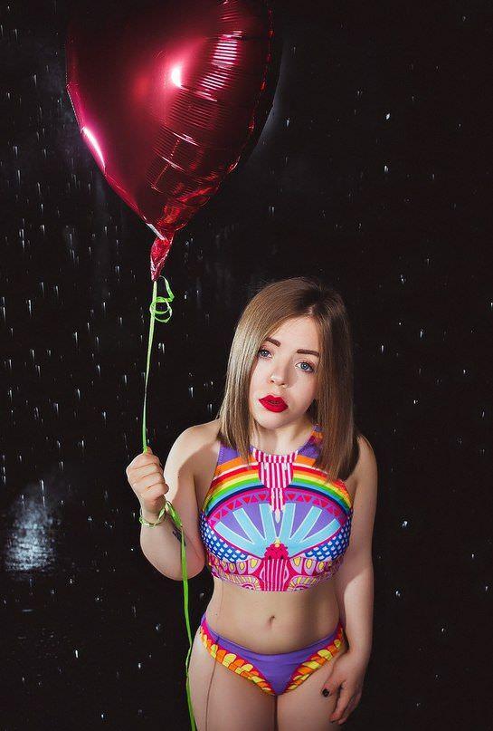 Олимпия Ивлева фото с шариком