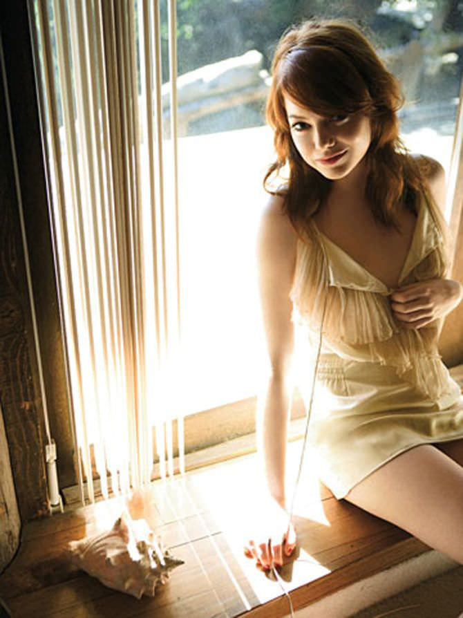 Эмма Стоун фото в коротком платье