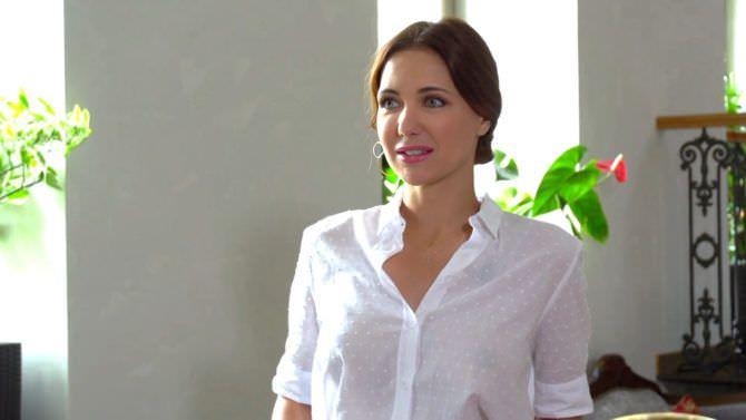 Екатерина Климова кадр в прозрачной блузке
