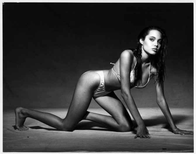 Анджелина Джоли фото в молодости