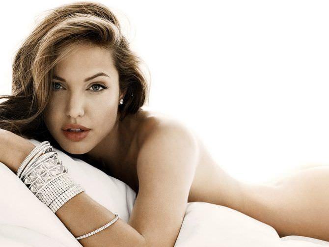 Анджелина Джоли обнажённое фото