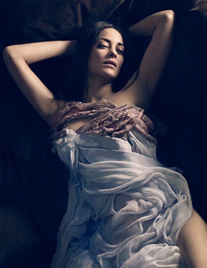 Марион Котийяр фото в лёгком платье