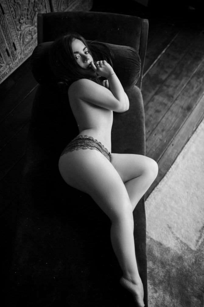 Олимпия Ивлева фото топлесс