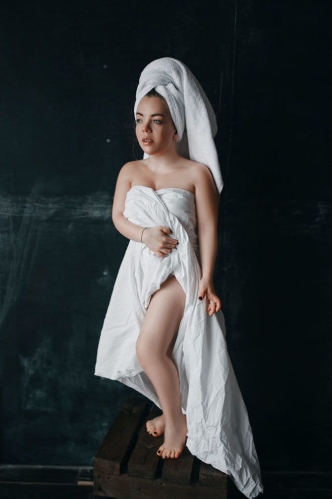 Олимпия Ивлева фотосессия в полотенце