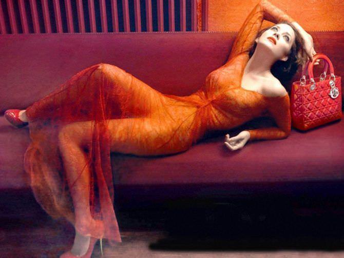 Марион Котийяр фото в красном