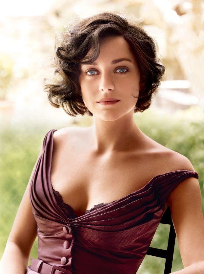 Марион Котийяр фото в красивом платье