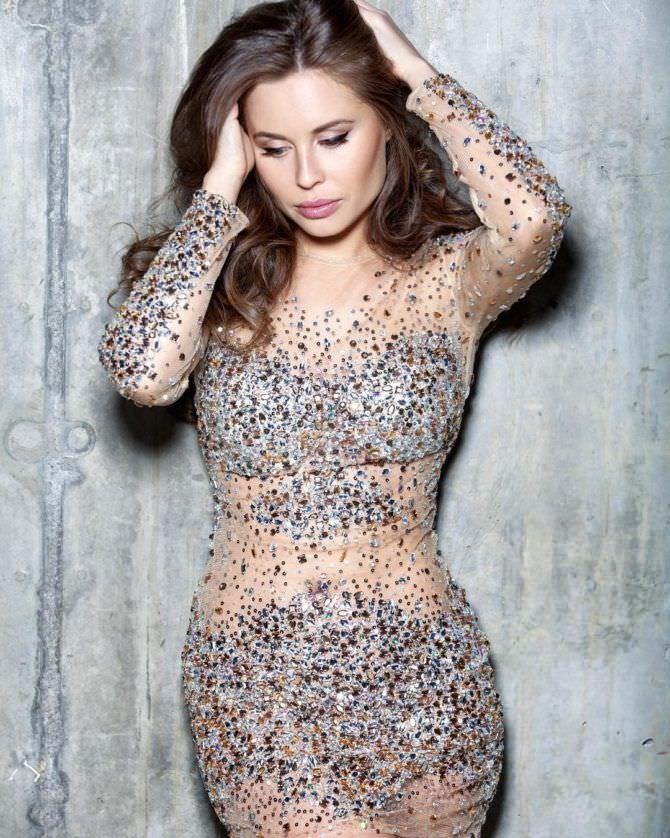 Юлия Михалкова фото в блестящем платье