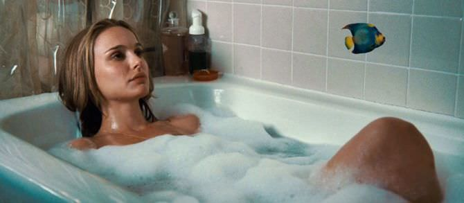 Натали Портман кадр в ванне