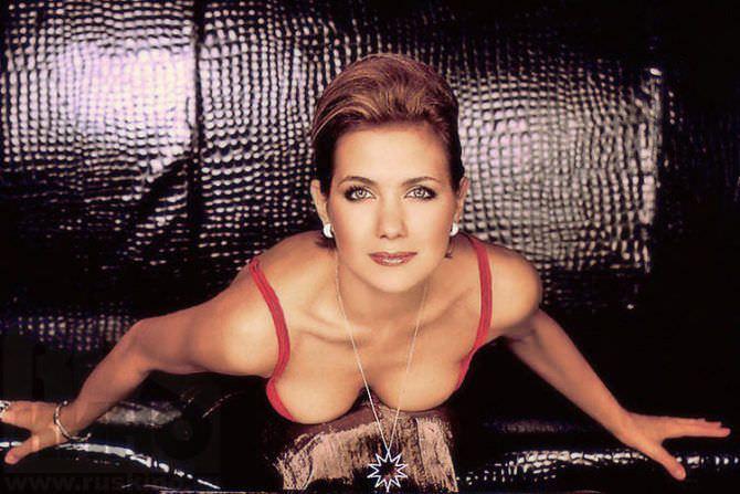 Екатерина Климова фото в красном декольте