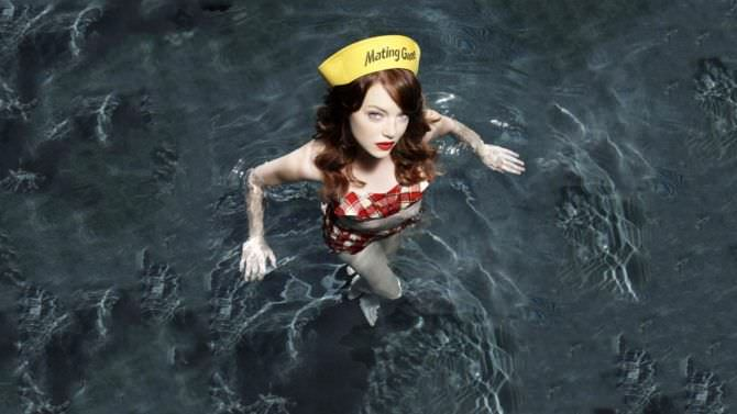 Эмма Стоун фото в бассейне