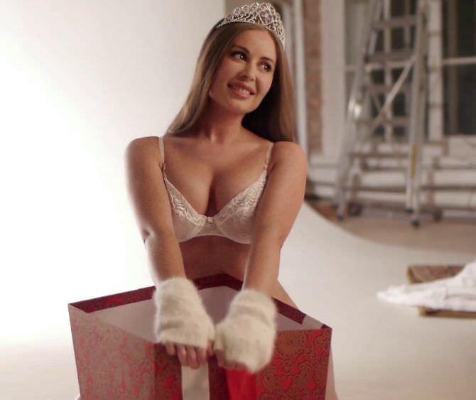 Юлия Михалкова фото в новогоднем белье