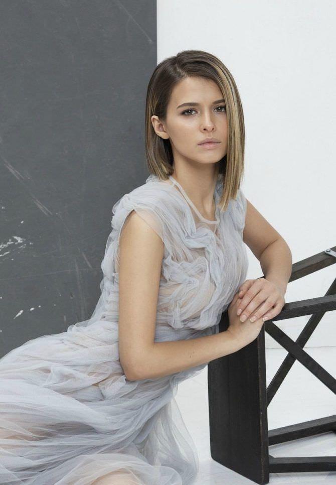 Любовь Аксенова фото в лёгком платье