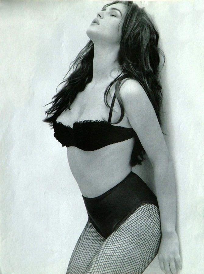 Моника Беллуччи фото в чёрном белье