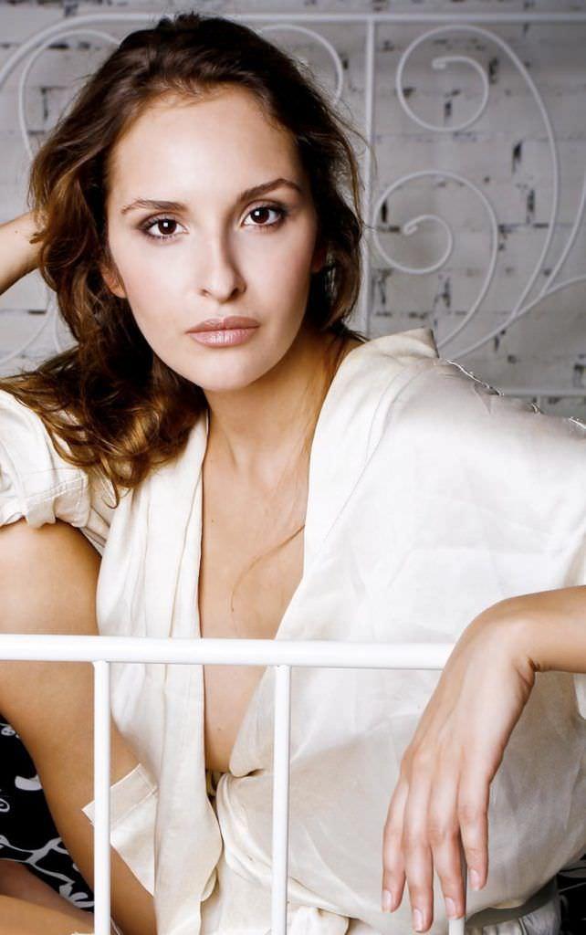 Софья Каштанова фото в рубашке