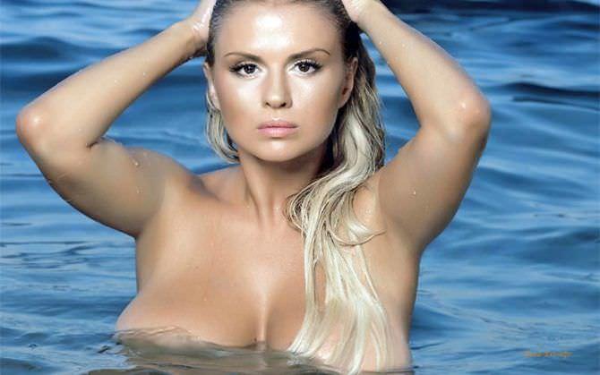 Анна Семенович фото в воде