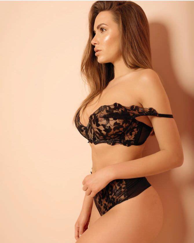 Сабина Емельянова фото в белье в инстаграм