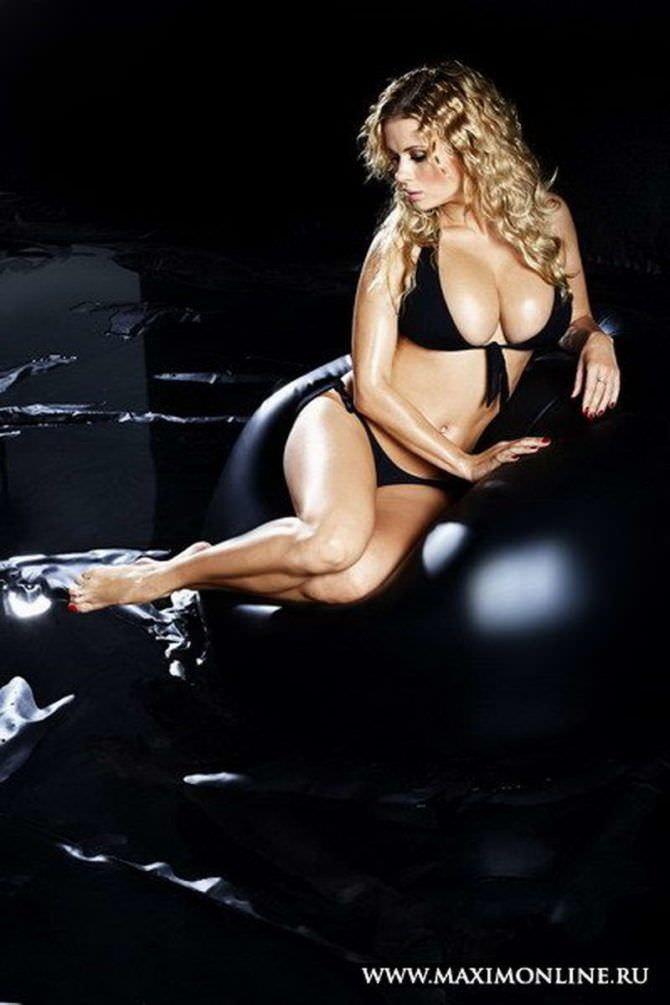 Анна Семенович фото со страниц Максим