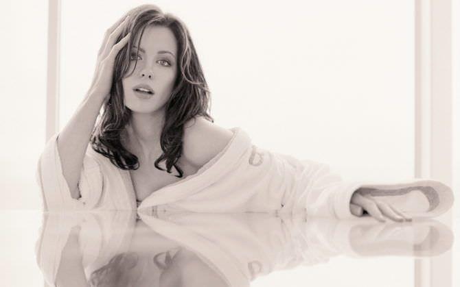 Кейт Бекинсейл фотография в рубашке