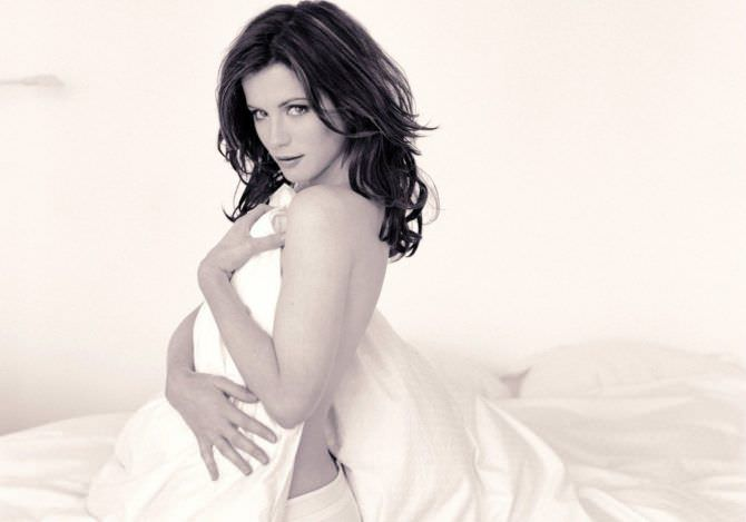 Кейт Бекинсейл фото с одеялом