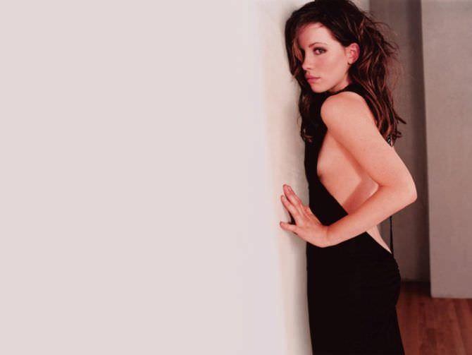 Кейт Бекинсейл фото в вечернем платье