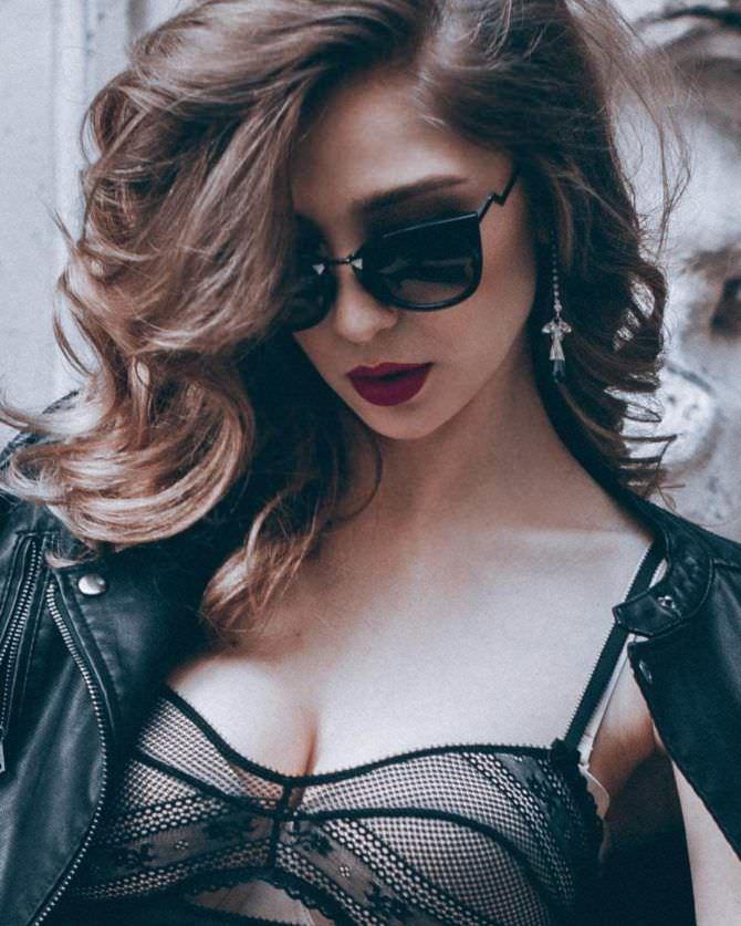 Анастасия Ивлеева фотография в куртке
