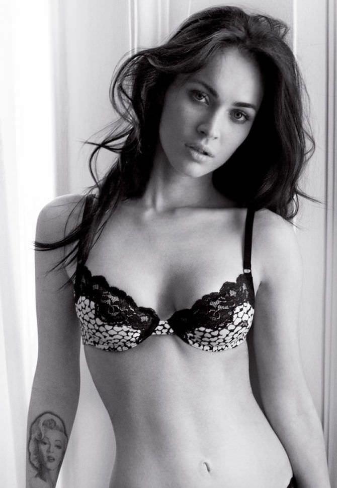 Меган Фокс чёрно-белое фото