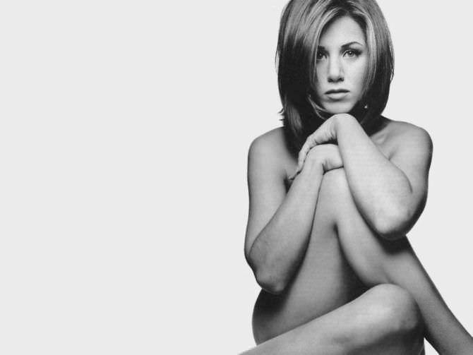 Дженнифер Энистон чёрно-белое фото