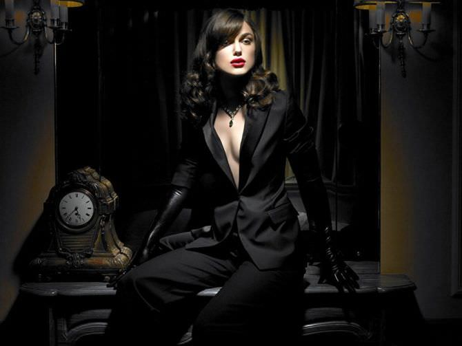 Кира Найтли фотосессия в чёрном костюме
