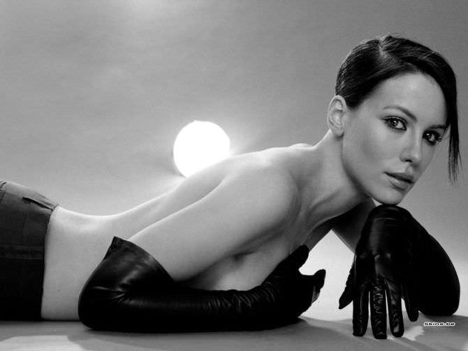Кейт Бекинсейл фото топлесс в журнале
