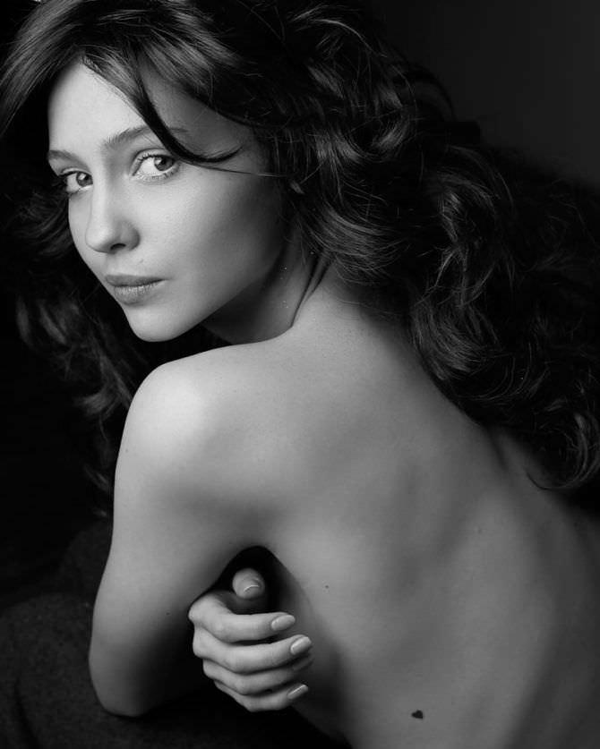 Юлия Хлынина фото топлесс