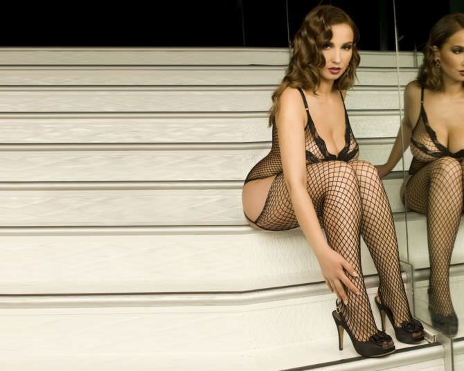 Анфиса Чехова фото на лестнице