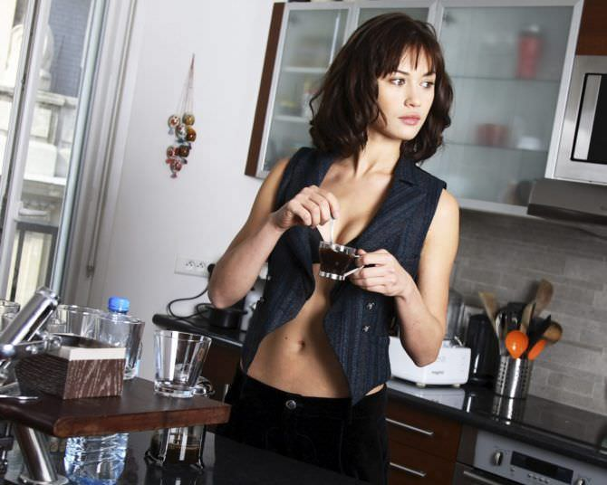 Ольга Куриленко фото с кофе