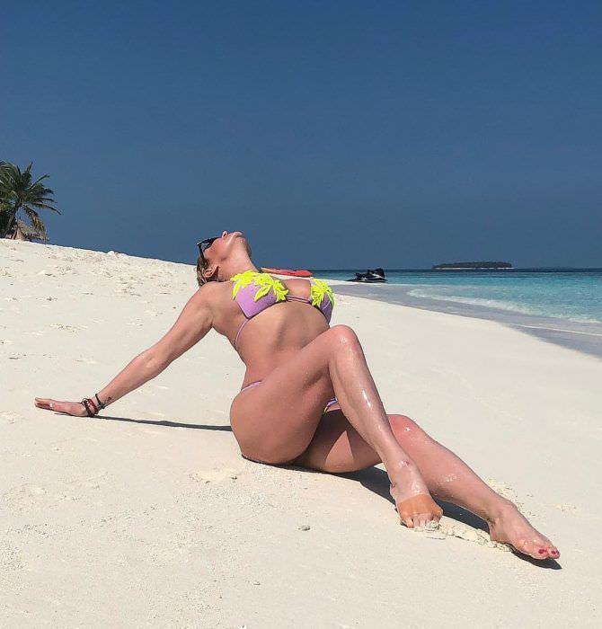 Анастасия Волочкова фото на песке