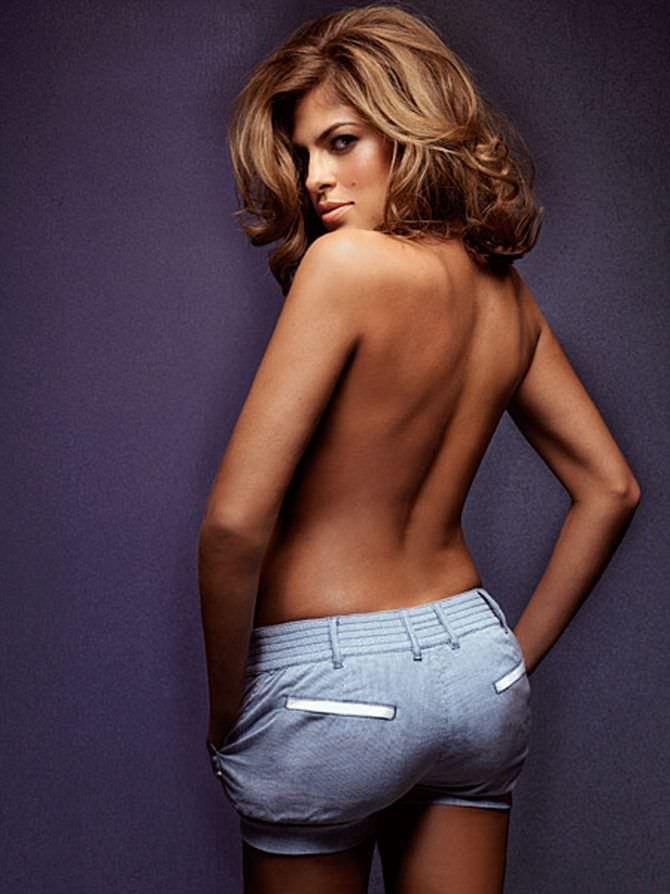 Ева Мендес фотография в шортах