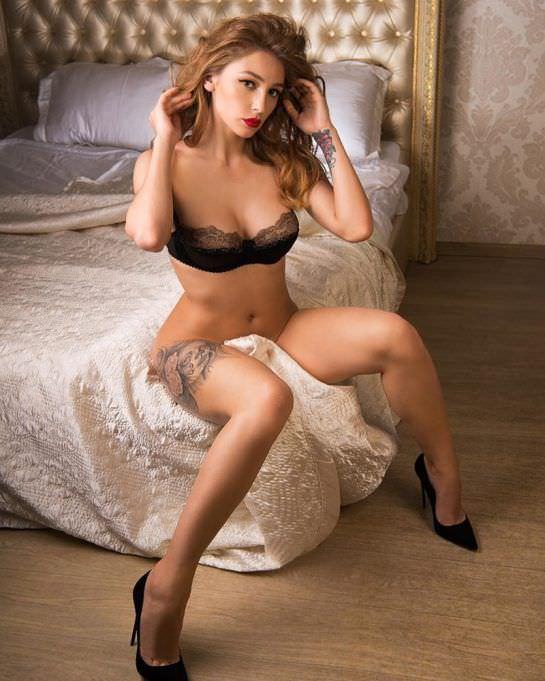 Анастасия Ивлеева фото на кровати