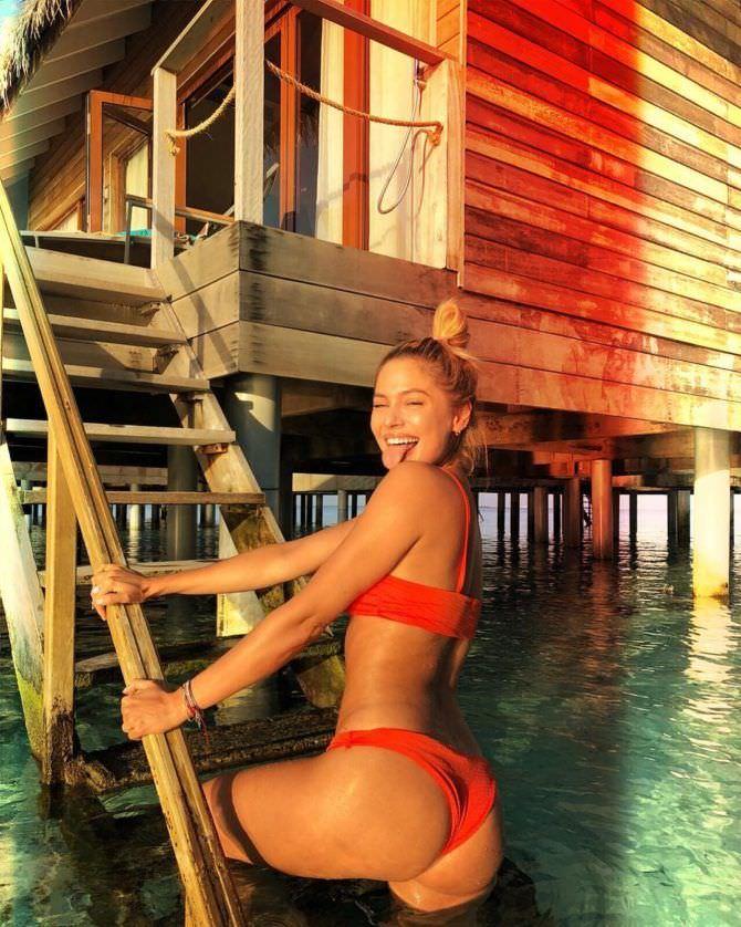 Наталья Рудова фото в купальнике с отдыха