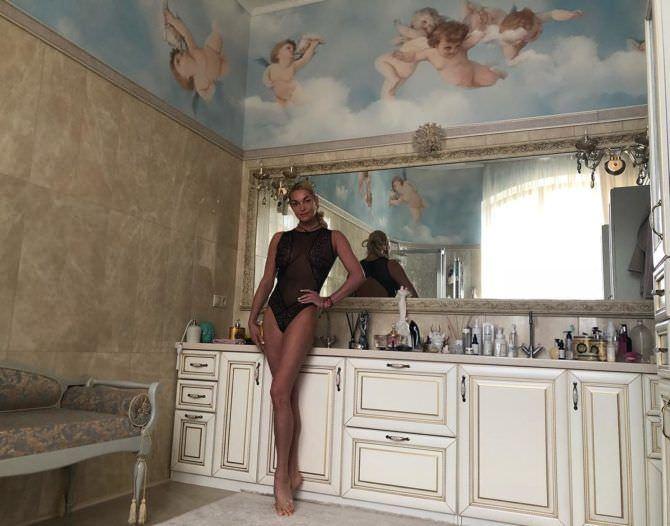 Анастасия Волочкова фото в боди