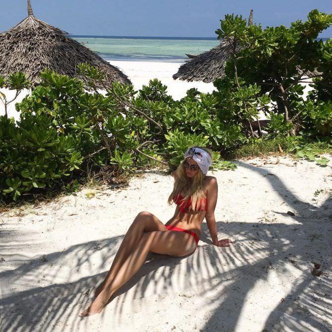 Полина Максимова фото на пляже