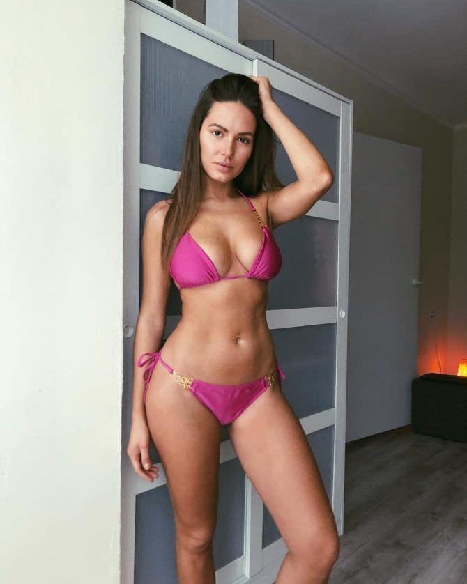 Сабина Емельянова фото в купальнике в инстаграм