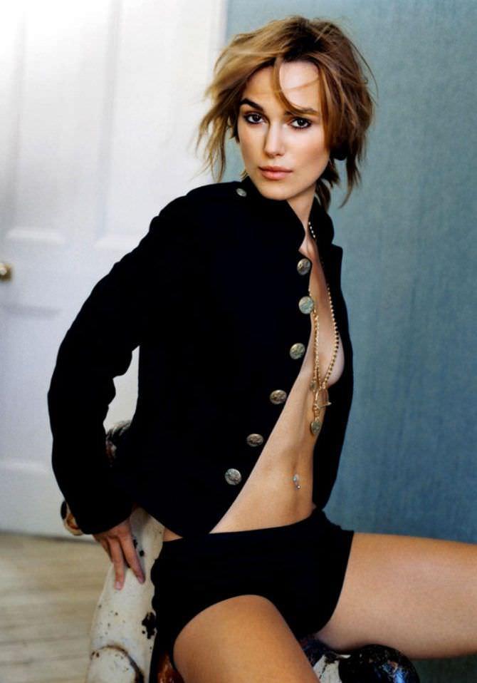 Кира Найтли фото с обнажённой грудью