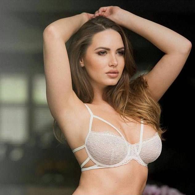 Сабина Емельянова фото в белье